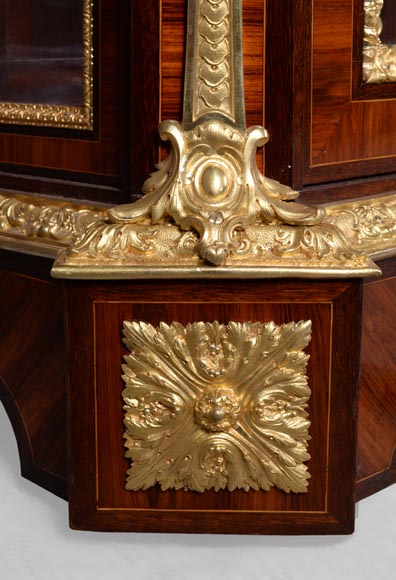 MONBRO (att. to) Pair of cabinets with  espagnolettes in gilt bronze-8