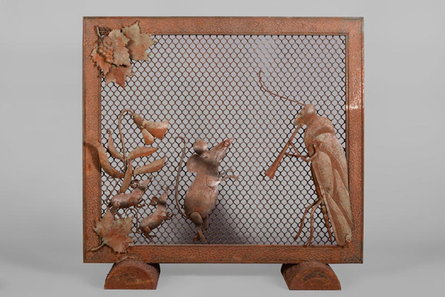 The locust flute player and mices, hammered iron firescreen, circa 1930-1940 - Reference 10672
