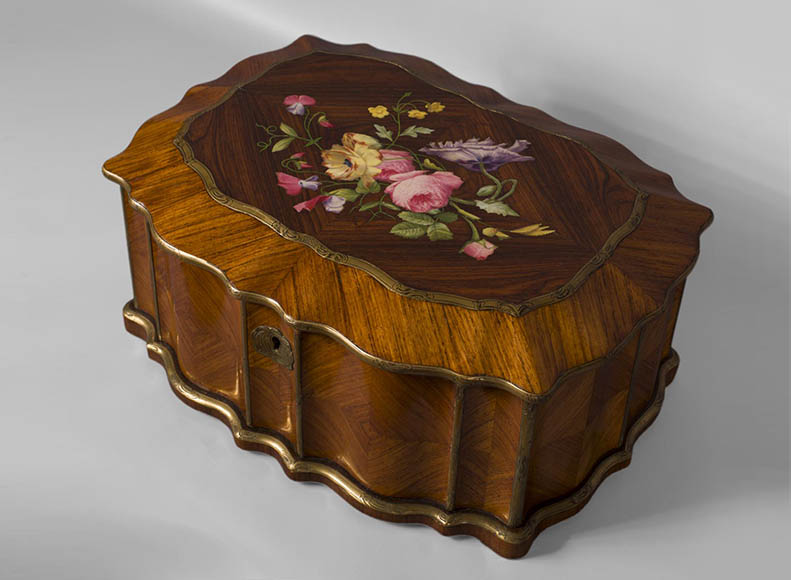 TAHAN Manufactory and Julien-Nicolas RIVART (1802-1867) - Jewelry box with a decoration in porcelain marquetry - Reference 10700