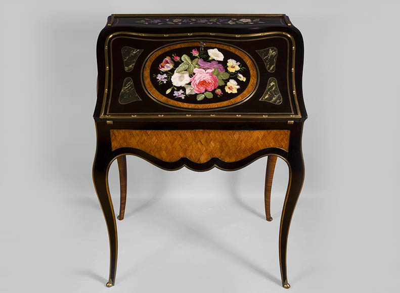 Julien-Nicolas RIVART (1802-1867) - Curved writing desk with lozenges marquetry And flowers bouquet in porcelain inlay-0