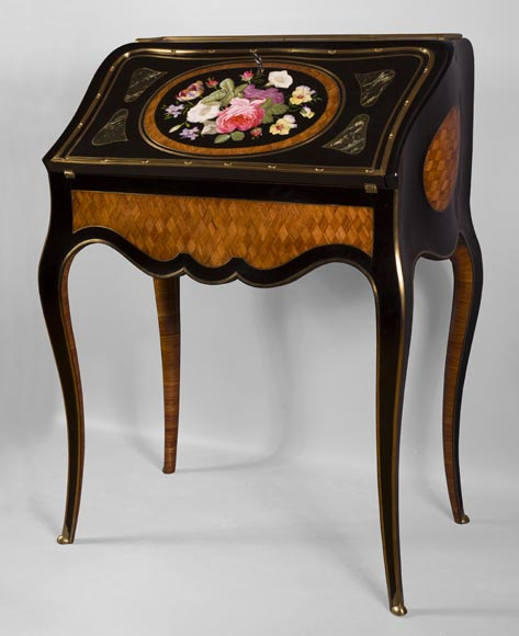 Julien-Nicolas RIVART (1802-1867) - Curved writing desk with lozenges marquetry And flowers bouquet in porcelain inlay-1