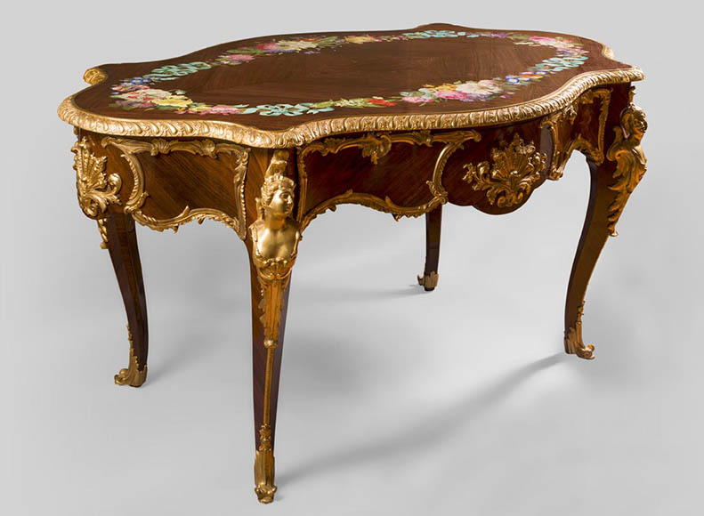 TAHAN Manufactory, Julien-Nicolas RIVART (1802-1867) and Pierre-Joseph GUEROU - Exceptional Louis XV style violin-shaped Desk Decorated with porcelain marquetry And gilt bronze espagnolettes-0