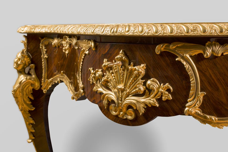 TAHAN Manufactory, Julien-Nicolas RIVART (1802-1867) and Pierre-Joseph GUEROU - Exceptional Louis XV style violin-shaped Desk Decorated with porcelain marquetry And gilt bronze espagnolettes-4