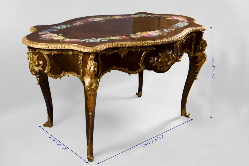 TAHAN Manufactory, Julien-Nicolas RIVART (1802-1867) and Pierre-Joseph GUEROU - Exceptional Louis XV style violin-shaped Desk Decorated with porcelain marquetry And gilt bronze espagnolettes-11