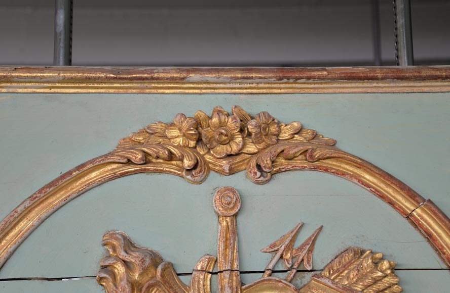 Beautiful antique 19th-century overmantel mirror, carved elements from the Louis XV period, in carved and gilt wood-3