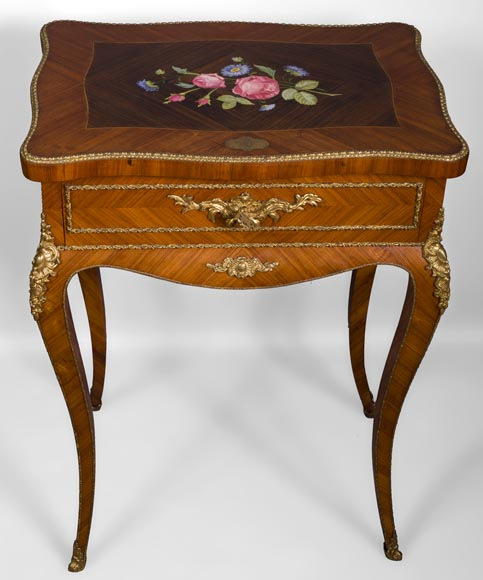Julien-Nicolas RIVART (1802-1867) - Elegant emblazoned sewing table with decoration of porcelain marquetry - Reference 10720