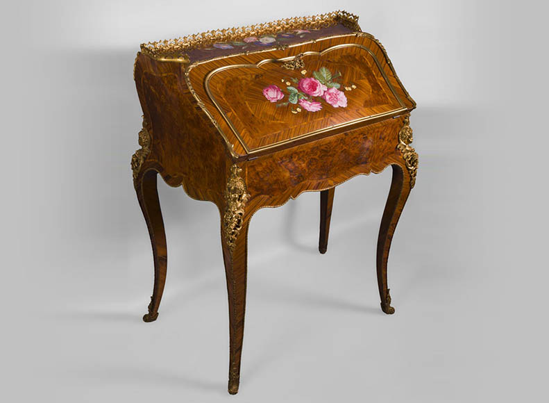 Alphonse GIROUX et cie and Julien-Nicolas RIVART (1802-1867) - Gorgeous writing desk with espagnolettes and decoration of roses in porcelain inlays-0