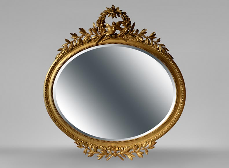Beautiful antique oval-shaped mirror, Louis XVI style, decor of doves in flight - Reference 10743