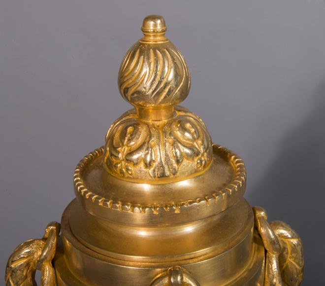 Louis XVI style chenet bar, in gilded bronze-4
