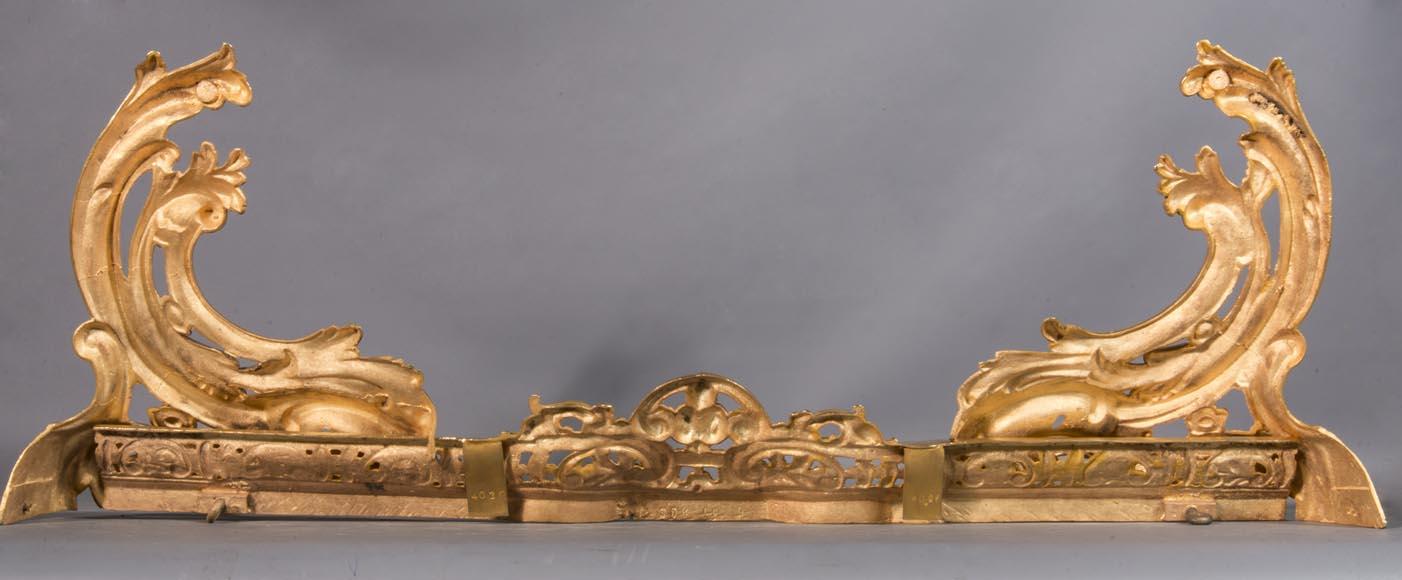 Louis XV style chenets bar, in gilded bronze-5