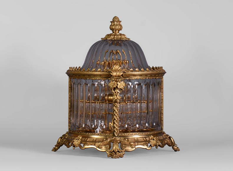 Cristallerie BACCARAT - Crystal and gilt bronze liquor cellar, 19th century-0