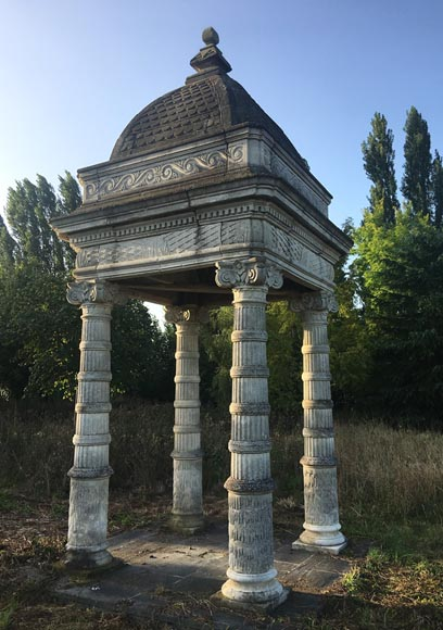 Monumental carved stone fountain canopy after the fountain of the Chateau of the Black Prince near Bordeaux - Reference 10835