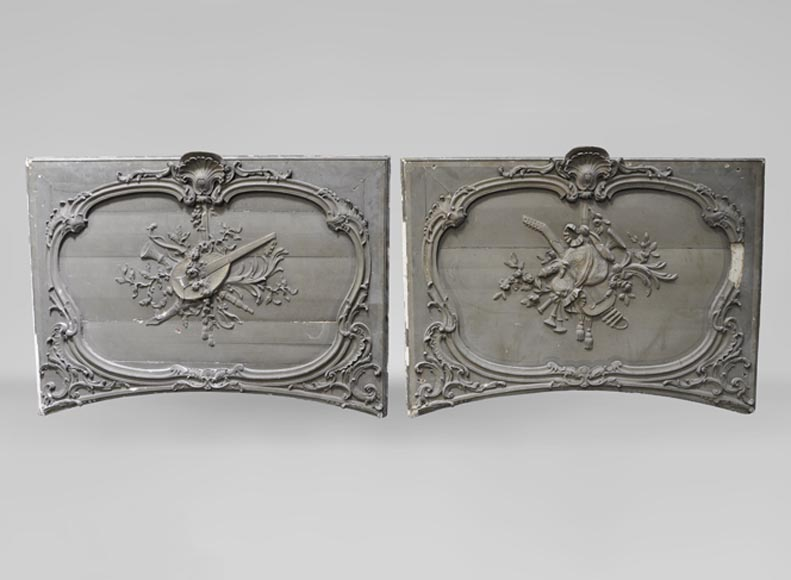 Large pair of Louis XV style door tops in wood and painted stucco, 19th c. - Reference 10846