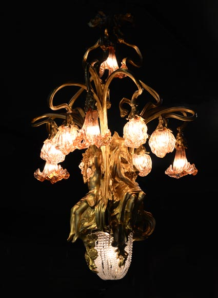 Beautiful antique Art Nouveau style chandelier in gilt bronze and molded glass with languid bodies and nine lights-1