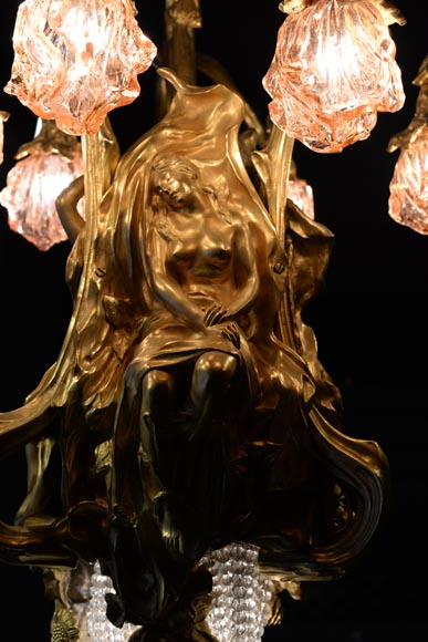 Beautiful antique Art Nouveau style chandelier in gilt bronze and molded glass with languid bodies and nine lights-3