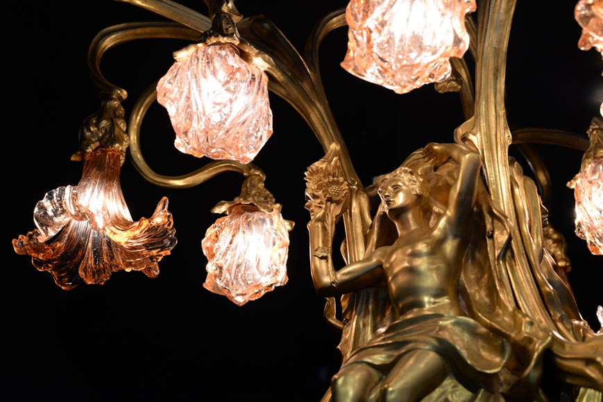 Beautiful antique Art Nouveau style chandelier in gilt bronze and molded glass with languid bodies and nine lights-8