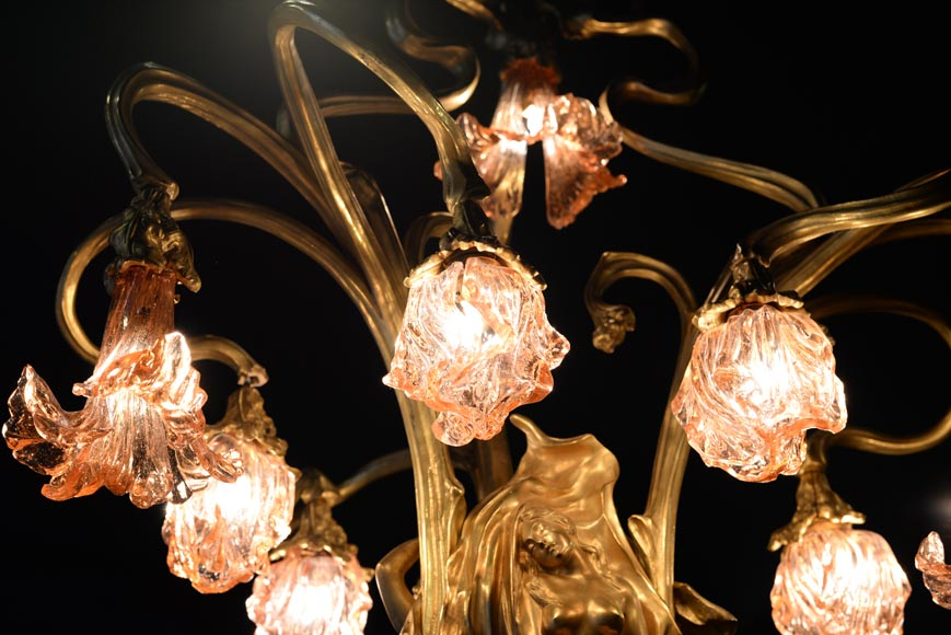 Beautiful antique Art Nouveau style chandelier in gilt bronze and molded glass with languid bodies and nine lights-9