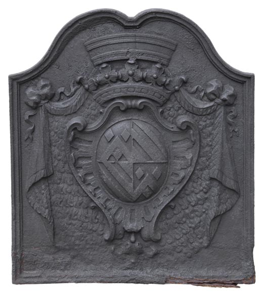 Beautiful antique cast iron fireback with the Fyot family coat of arms, 18th century-0