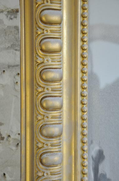 Antique Regence style overmantel pierglass painted in gold with shell and flowers-4