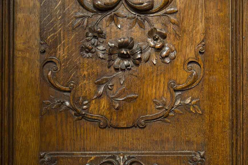 Richly carved Neo-Renaissance style buffet-8