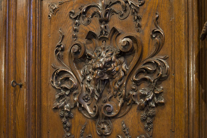 Richly carved Neo-Renaissance style buffet-15