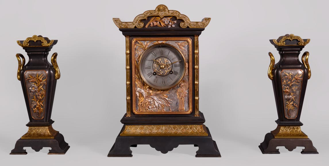 Japanese style set clock with polychrome bronze decoration-0
