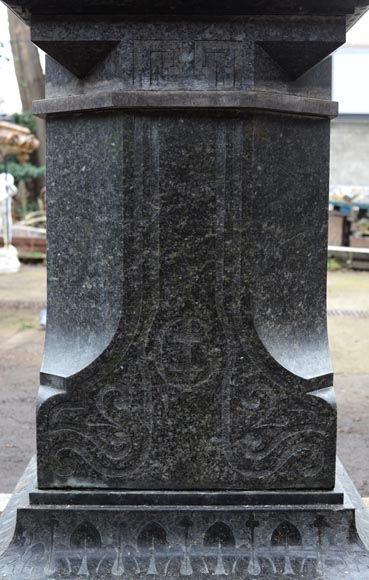 Antique large urn in French granite, mid-19th century-7