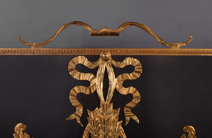 Beautiful antique Louis XVI style firescreen in gilt bronze with quiver-3