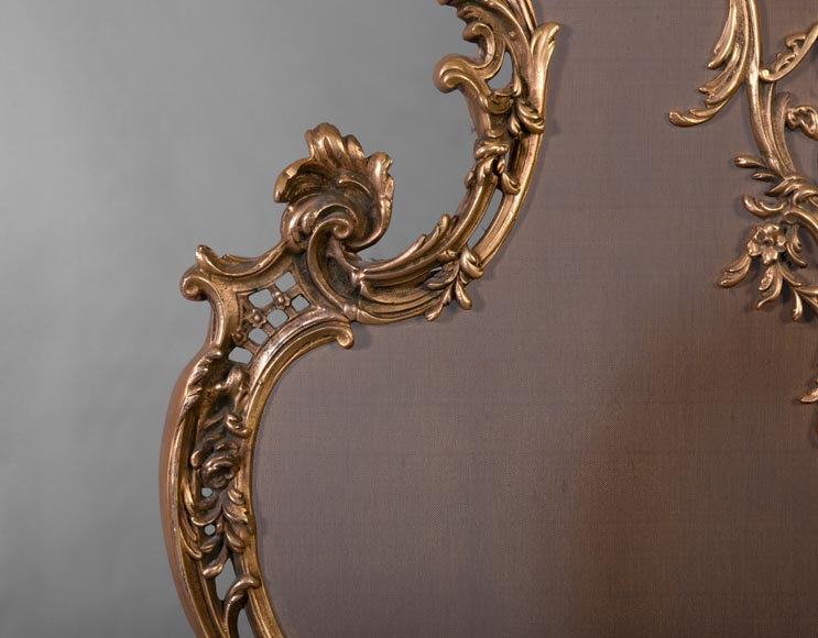 Louis XV style firescreen with Cupid in bronze, 1970's-3
