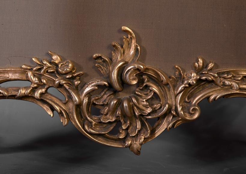 Louis XV style firescreen with Cupid in bronze, 1970's-5