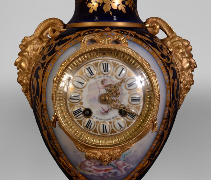 Napoleon III style clock, in Sèvres night blue porcelain and gilded bronze-1