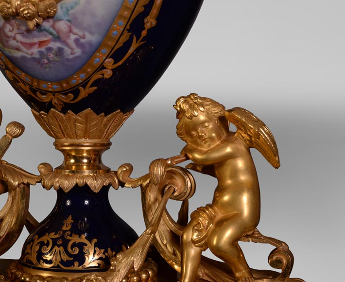Napoleon III style clock, in Sèvres night blue porcelain and gilded bronze-5
