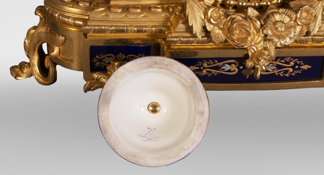 Napoleon III style clock, in Sèvres night blue porcelain and gilded bronze-9