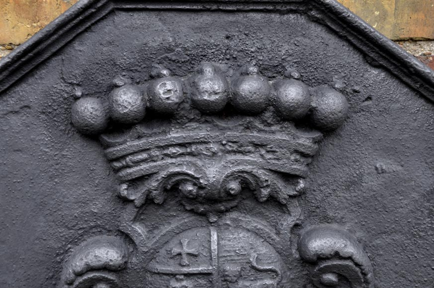 Antique cast iron fireback with the Joly family coat of arms, 18th century -1