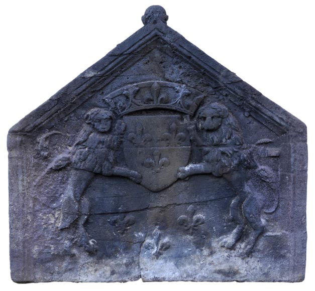 Antique fireback with French coat of arms and lions, 17th century-0