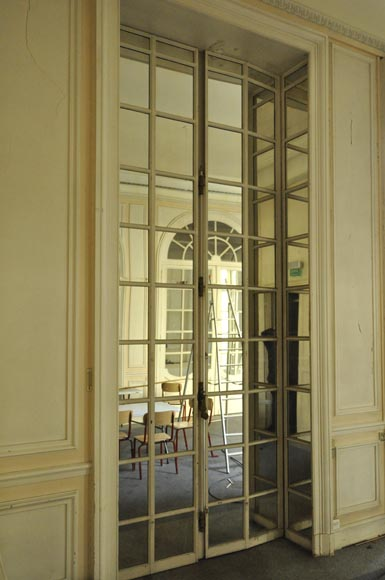 Three pairs of interior shutters made of metal with mirrors-1