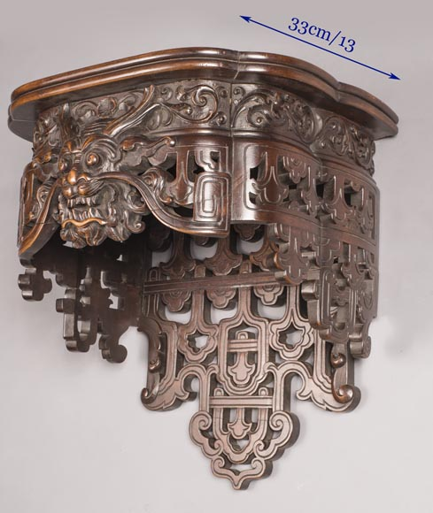 Pair of Far Eastern wall brackets with dragon decoration.-5