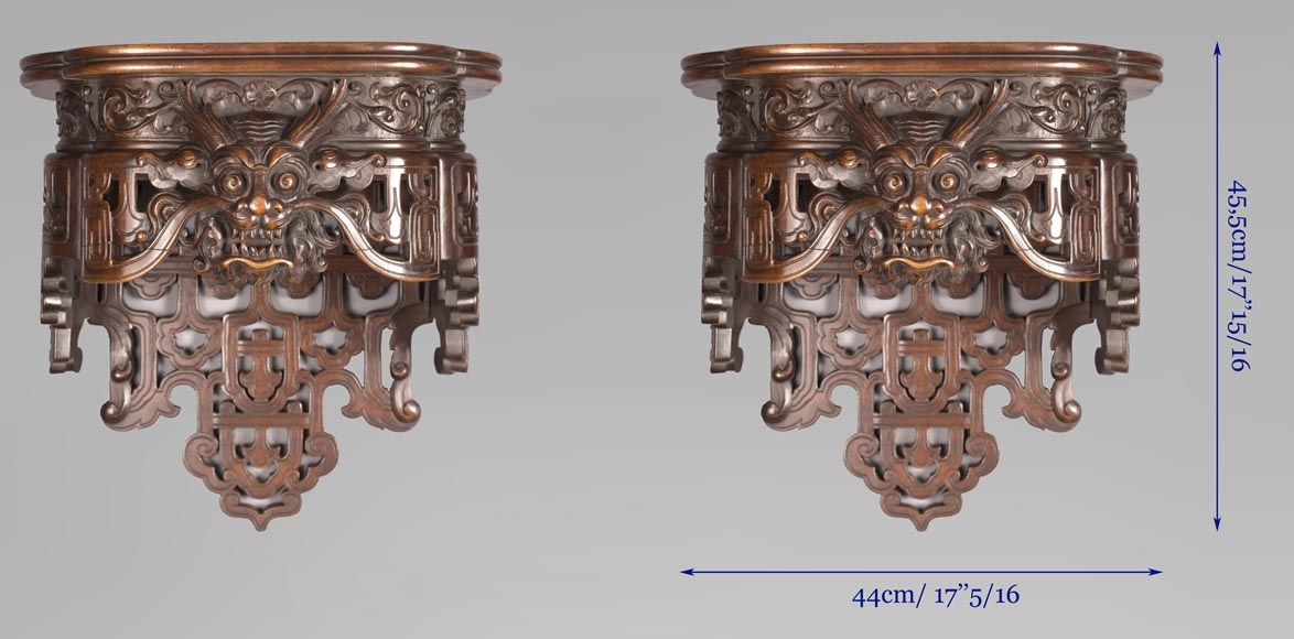 Pair of Far Eastern wall brackets with dragon decoration.-6