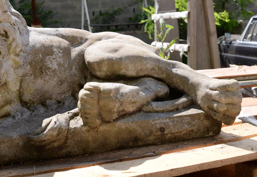 Important pair of statues with majestic lions made of composit stone-10