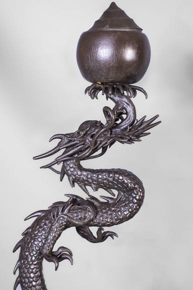 Set including a clock and a barometer with dragon decoration-1