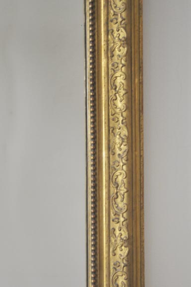 Antique Regence style gilded overmantel pierglass adorned with friezes of foliage-2