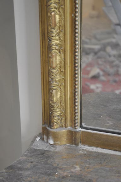 Antique Regence style gilded overmantel pierglass with foliages-5