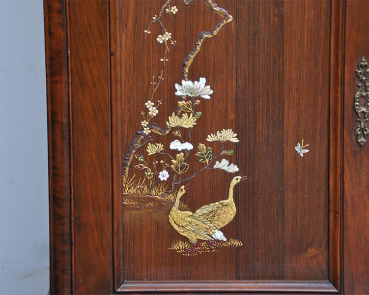 Japanese style display cabinet with birds-9