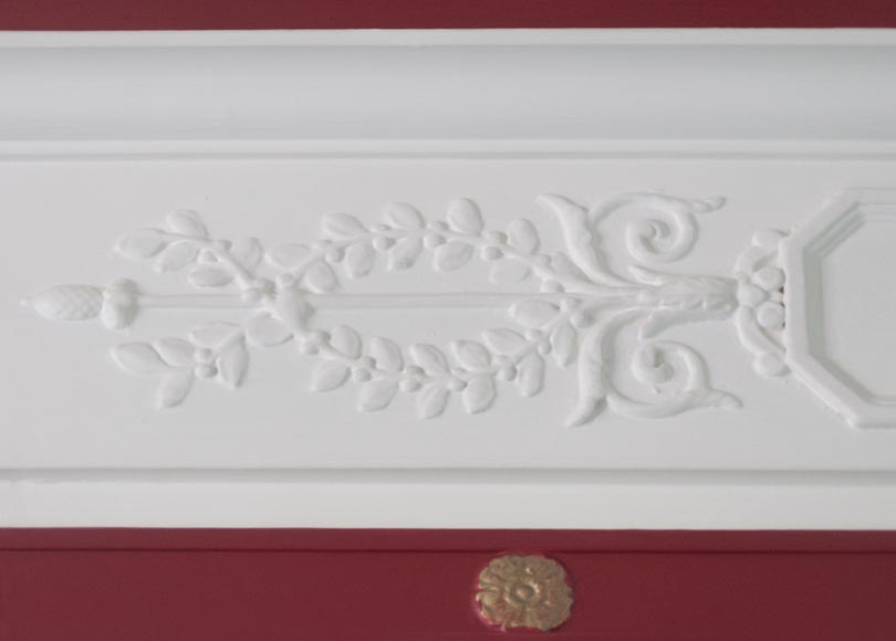 Antique Empire style overmantel pierglass decorated with a chimera, rosettes and vegetal patterns-3