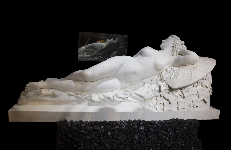 Splendid Statuary Carrara marble statue representing « Armida's dream » by Amand-Désiré-Honoré Barré, World's Fair of 1878-0