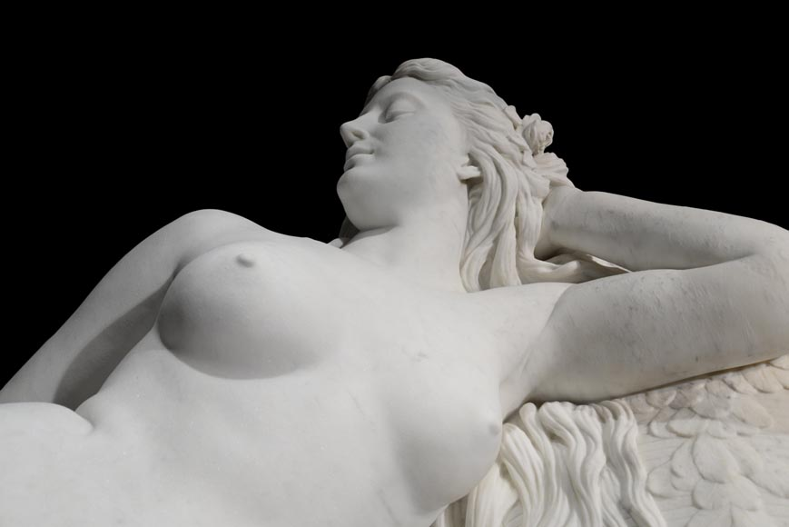 Splendid Statuary Carrara marble statue representing « Armida's dream » by Amand-Désiré-Honoré Barré, World's Fair of 1878-1
