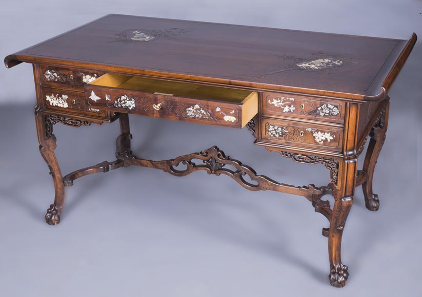 Maison des Bmbous Alfred PERRET and Ernest VIBERT (attributed to) - Japanese flat desk with mother-of-pearl and ivory decoration-1