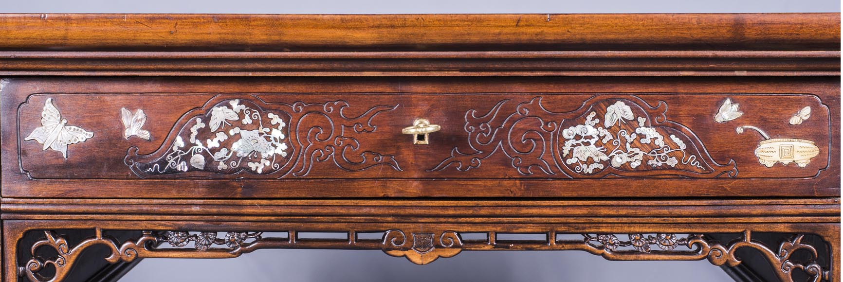 Maison des Bmbous Alfred PERRET and Ernest VIBERT (attributed to) - Japanese flat desk with mother-of-pearl and ivory decoration-4