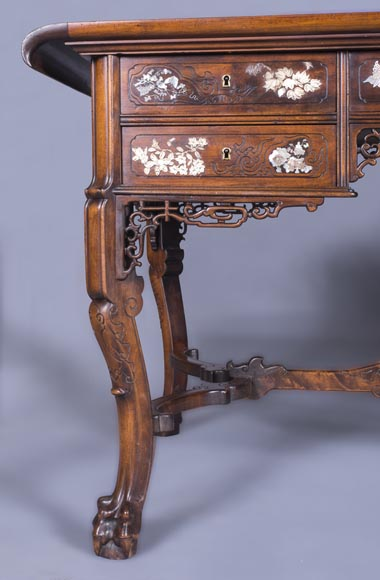 Maison des Bmbous Alfred PERRET and Ernest VIBERT (attributed to) - Japanese flat desk with mother-of-pearl and ivory decoration-7