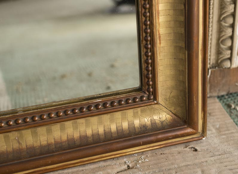 An antique Louis-Philippe style mirror with pearls-1